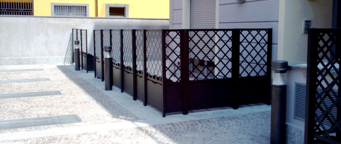 Divisori per balconi esterni latest grigliati in legno a for Divisori da giardino