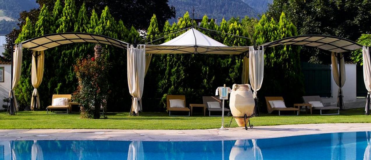 Gazebi moderni gazebo moderno exterior y sala de estar al - Gazebo da giardino ...