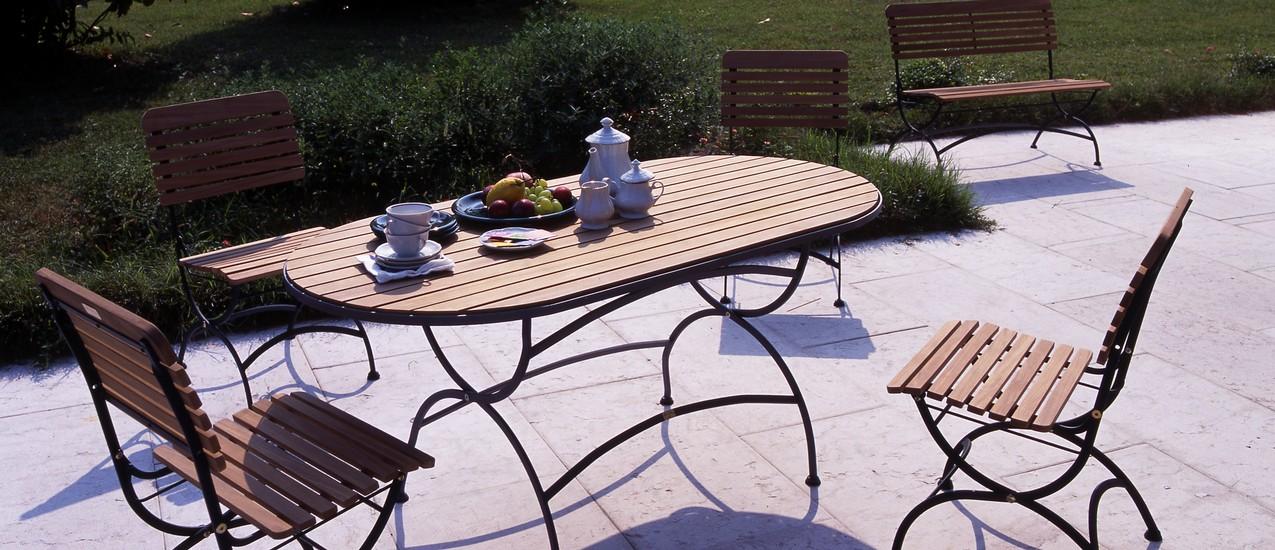 Attaccapanni da ingresso ikea for Tavoli da giardino in ferro ikea