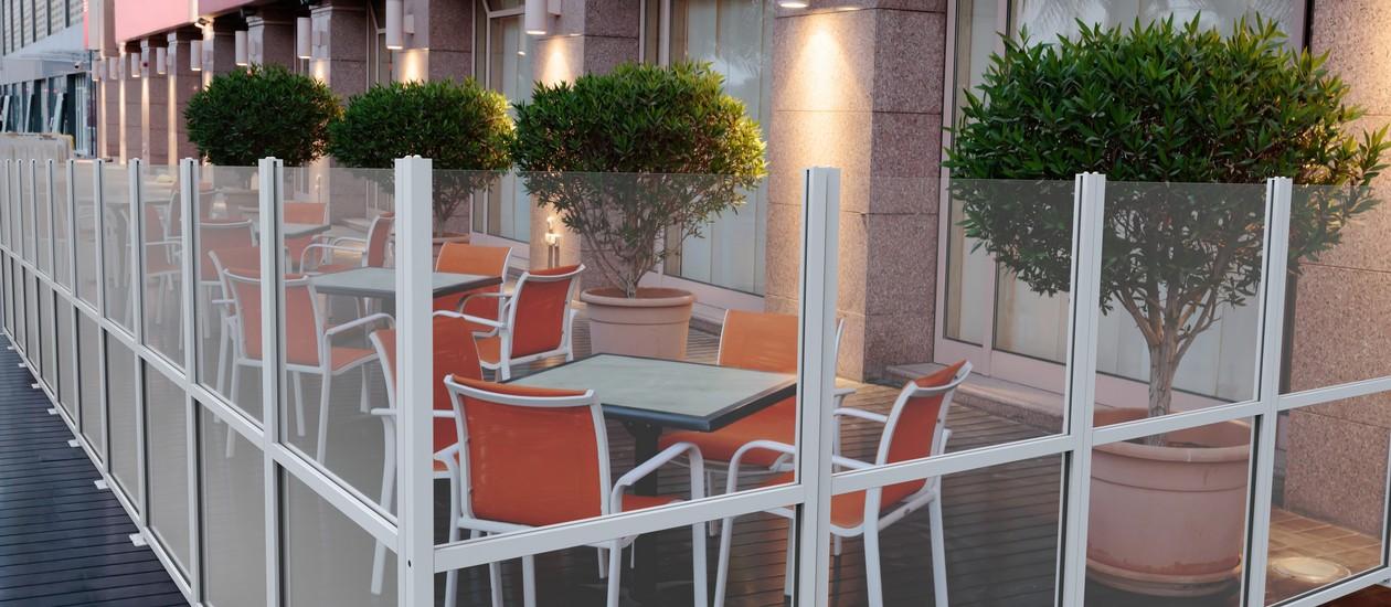 Frangivento e divisori da esterno per locali e bar - FIVESTARSITALY