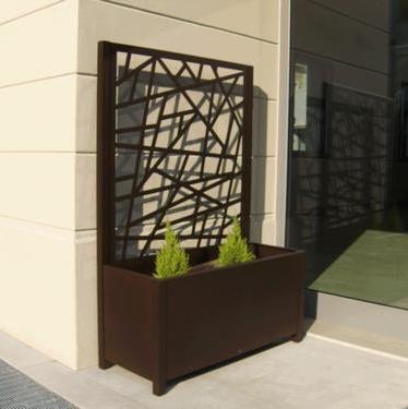 Fioriere e grigliati da esterno in alluminio per giardini for Divisori da esterno